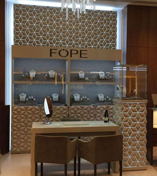 Store furnishing jewellery