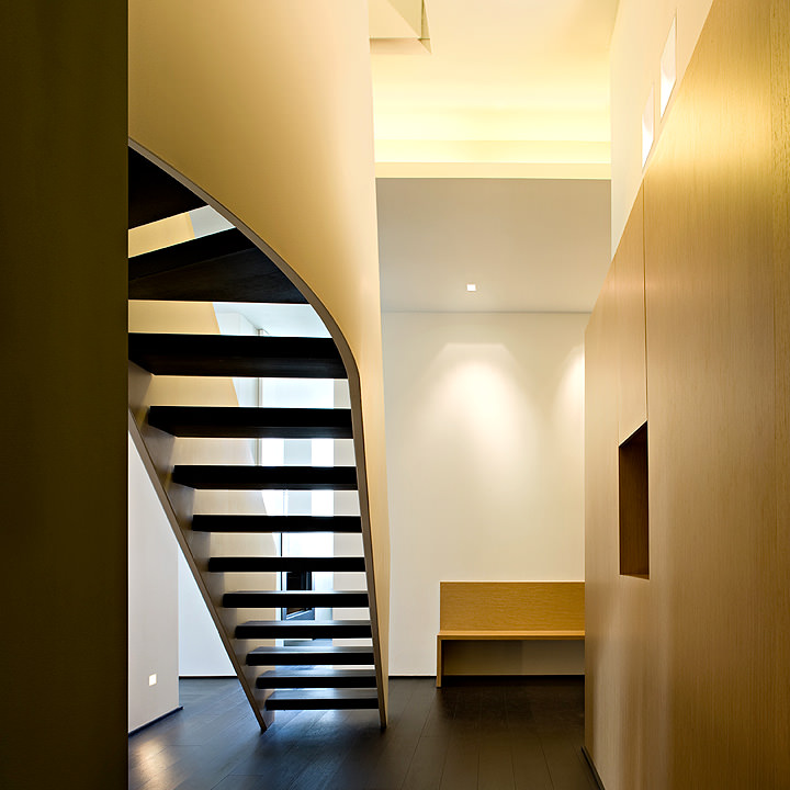 Staircase shaped with wengè steps