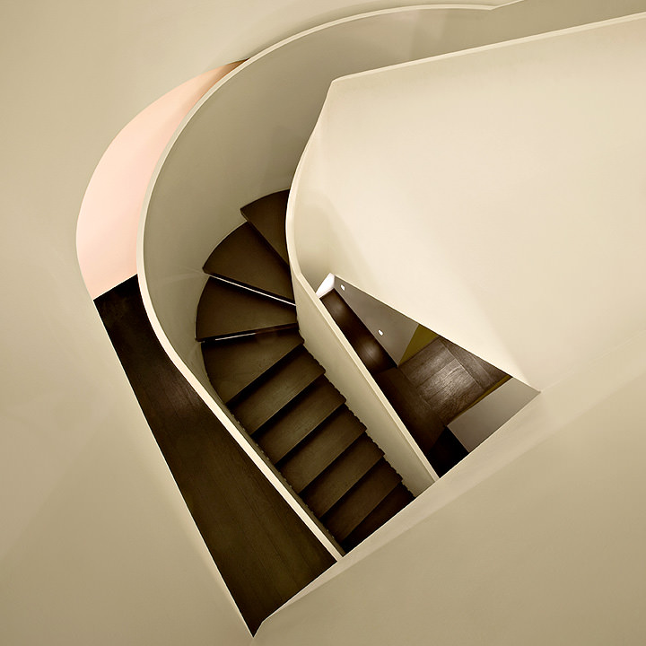 Scala con scalini in Wengè