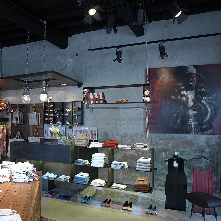 Store furnishing