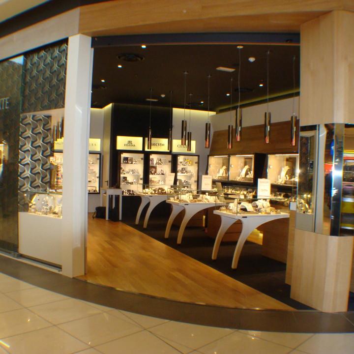 Arredamento negozi uffici stand abitazioni niva line for Negozi arredamento vicenza