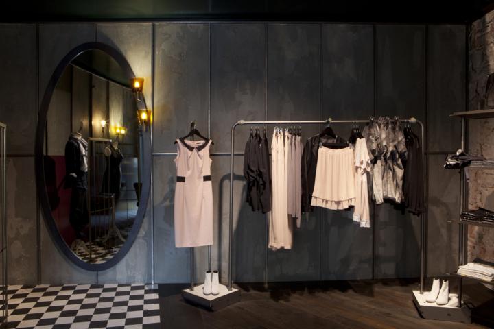 Arredamento-per-negozio-Sisley-by-NIVA-line-Vicenza-ITALIA | NIVA