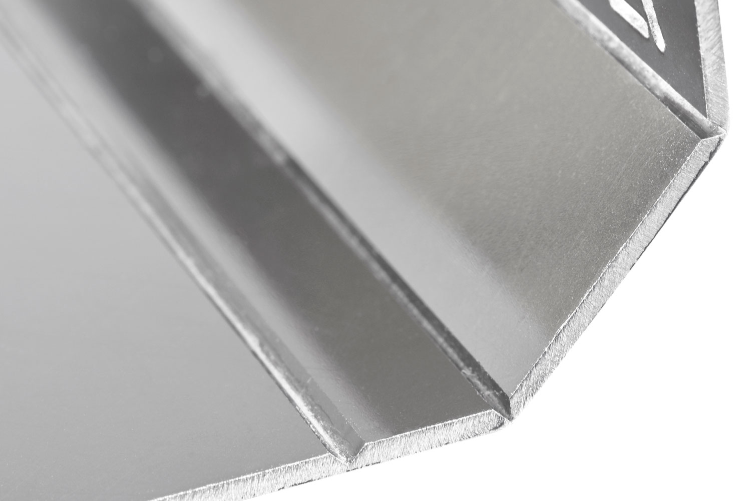 FOLDING DETAIL ON MIRROR STAINLESS STEEL
