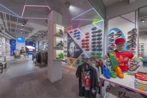 Arredamento-negozio-AW-LAB-by-NIVA-line-Roma-ITALIA-1-720x480